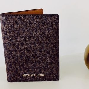 MICHAEL KORS Leather Card & Passport Cover